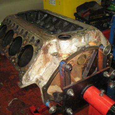 hemi_engine_desoto_1957_016